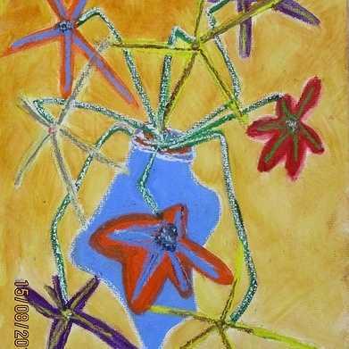bouquet de fleurs au vase bleu