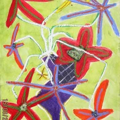 bouquet de fleurs au vase violet