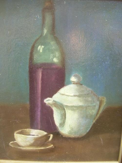 La théière et la bouteille de vin 0